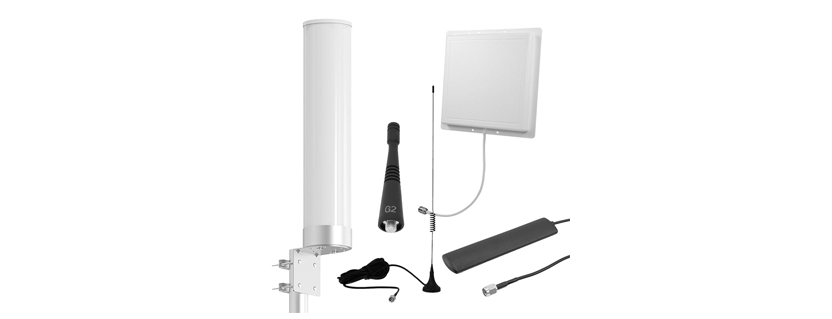 Pasternack Debuts New 900 MHz Rubber Duck, Panel and Blade Antennas